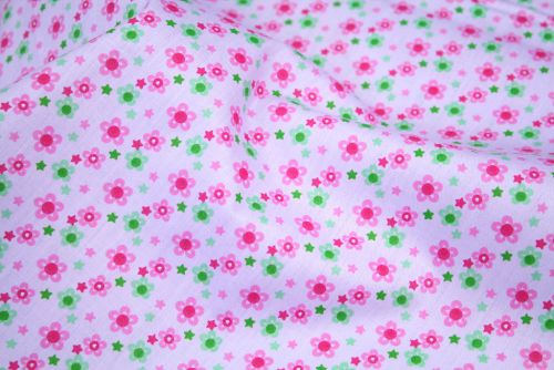 Small Pink Daisies 100% Cotton Fabric (per meter)